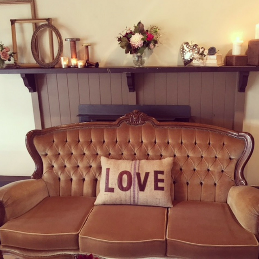 Velvet Louis Lounge