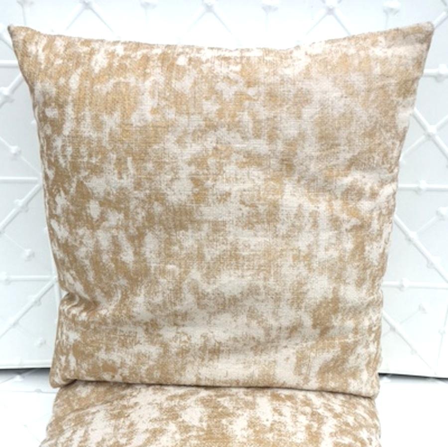 gold fibre cushion